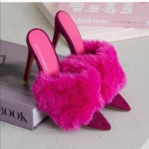 Hot Pink Furry Mule Heels ⭐️